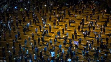 """Photo of الأعلام السوداء.. """"مظاهرات التباعد"""" تهز إسرائيل"""