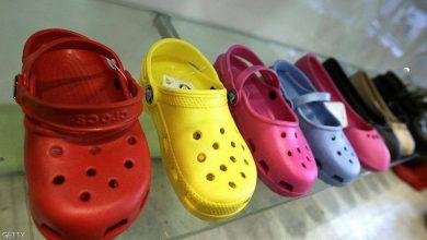 "Photo of كيف تحول الحذاء ""القبيح"" إلى شركة بقيمة مليار دولار؟"