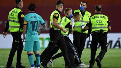 "Photo of بالصور.. مشهد ""عجيب"" بأولى مباريات برشلونة بعد عودة ""الليغا"""