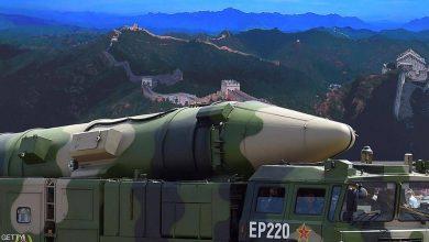 """صورة بكين تطلق """"قاتل حاملات الطائرات"""" وتحذر الولايات المتحدة"""