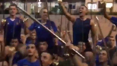 "Photo of بالفيديو- بغناء ""أسد الحربية"" والرقص بالسيوف… هكذا احتفل تلامذة ضباط الكلية الحربية بتخرّجهم"