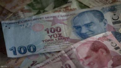 صورة الليرة التركية تلامس مستوى منخفض غير مسبوق مقابل الدولار