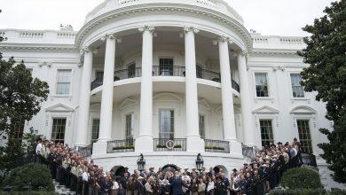 صورة بعد إصابته بكورونا.. ماذا ينص الدستور الأمريكي في حال عجز ترامب عن أداء مهامه؟