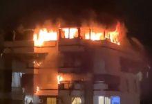 صورة بالفيديو: حريقُ في مبنى سكني في زقاق البلاط