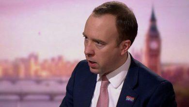 صورة فيروس كورونا: وزير الصحة في بريطانيا يقول إن الإغلاق بسبب السلالة الجديدة قد يدوم شهورا