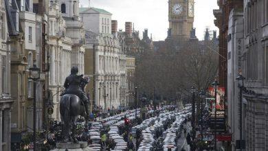 صورة سكان لندن يهربون منها بشكل جماعي إثر كشف سلالة جديدة من فيروس كورونا