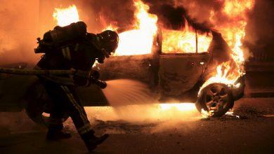 صورة فيديو | رأس سنة في فرنسا.. إحراق نحو 60 سيارة ومصرع شخص بألعاب نارية
